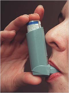 the traditional technique using the traditional inhaler